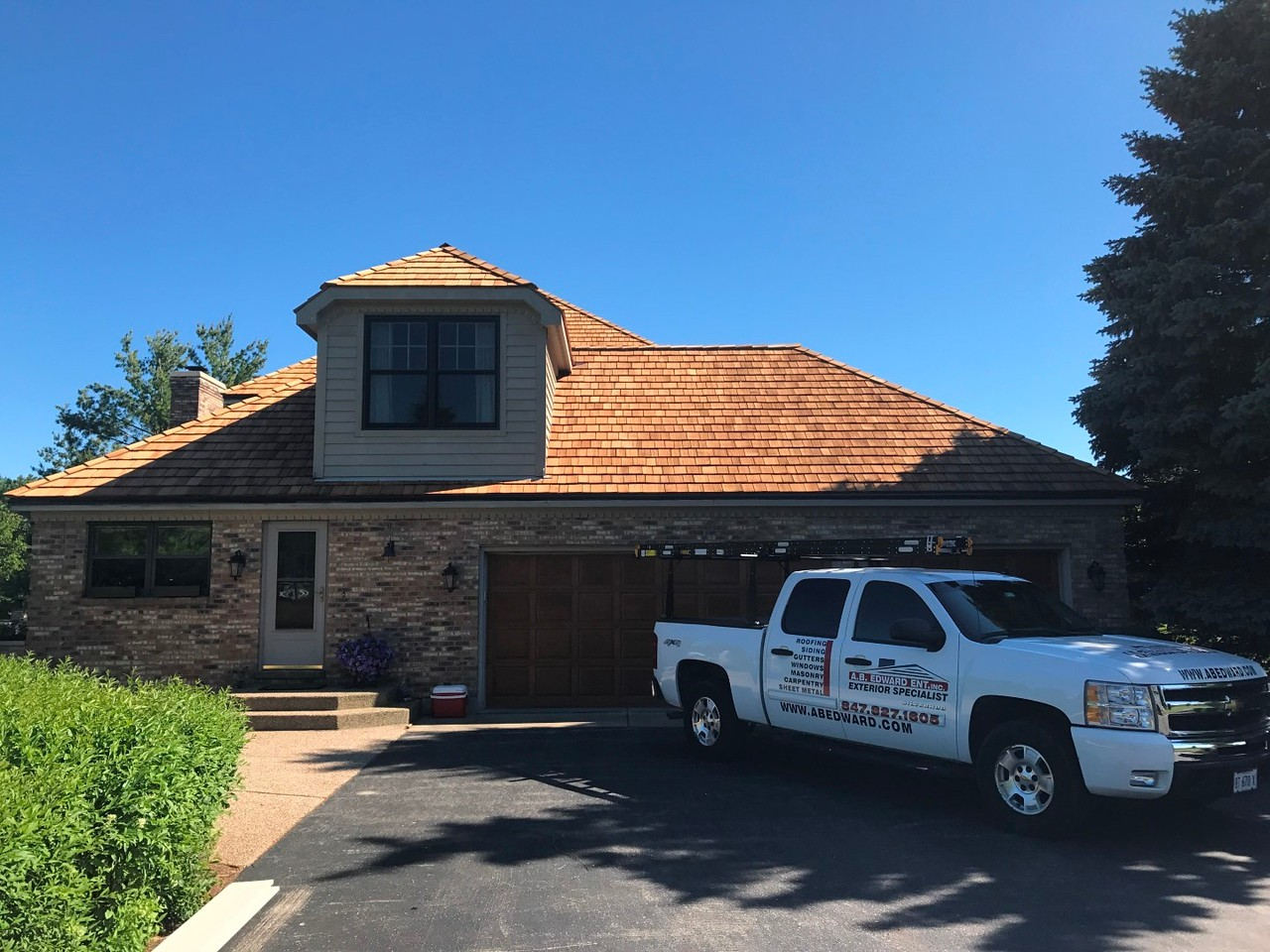 A.B. Edward is a top cedar roof company in Chicago IL