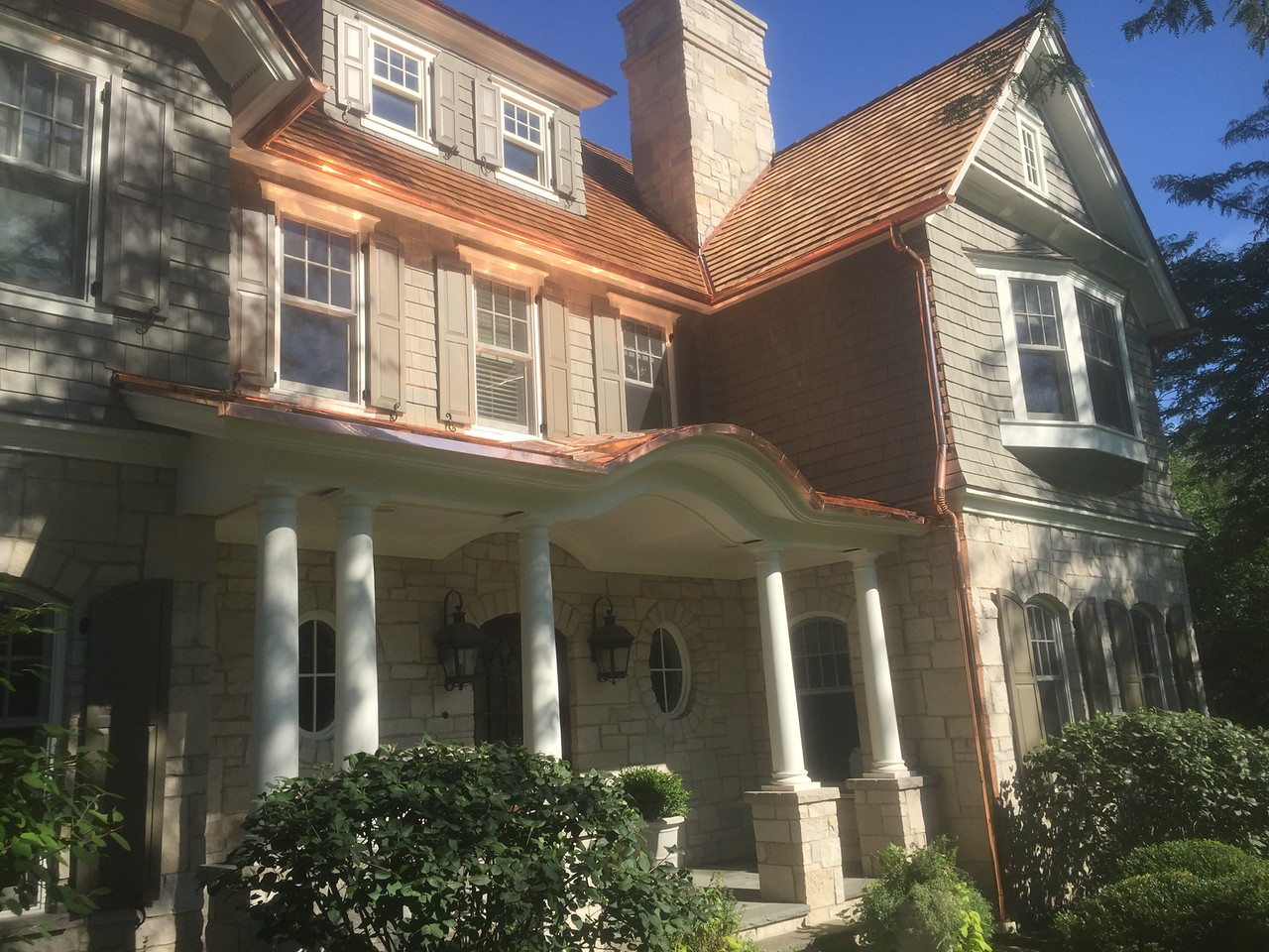 Use cedar roofing to increase the value of your Hawthorn Woods, IL home