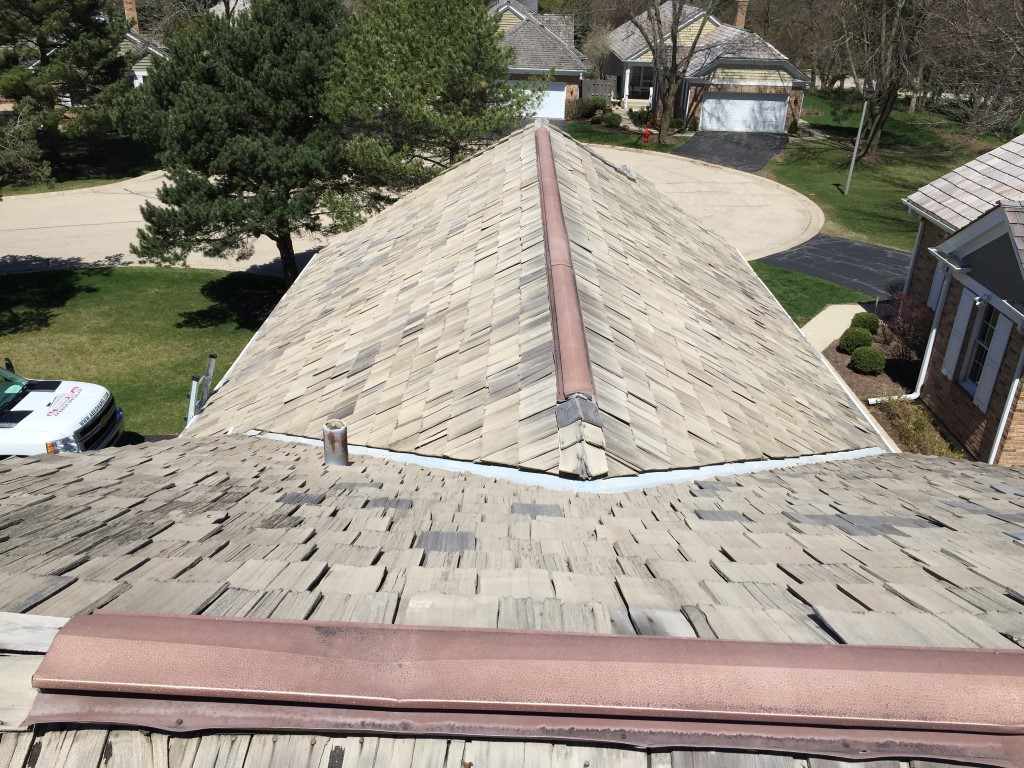 Cedar Shake Roofing Maintenance Chicago