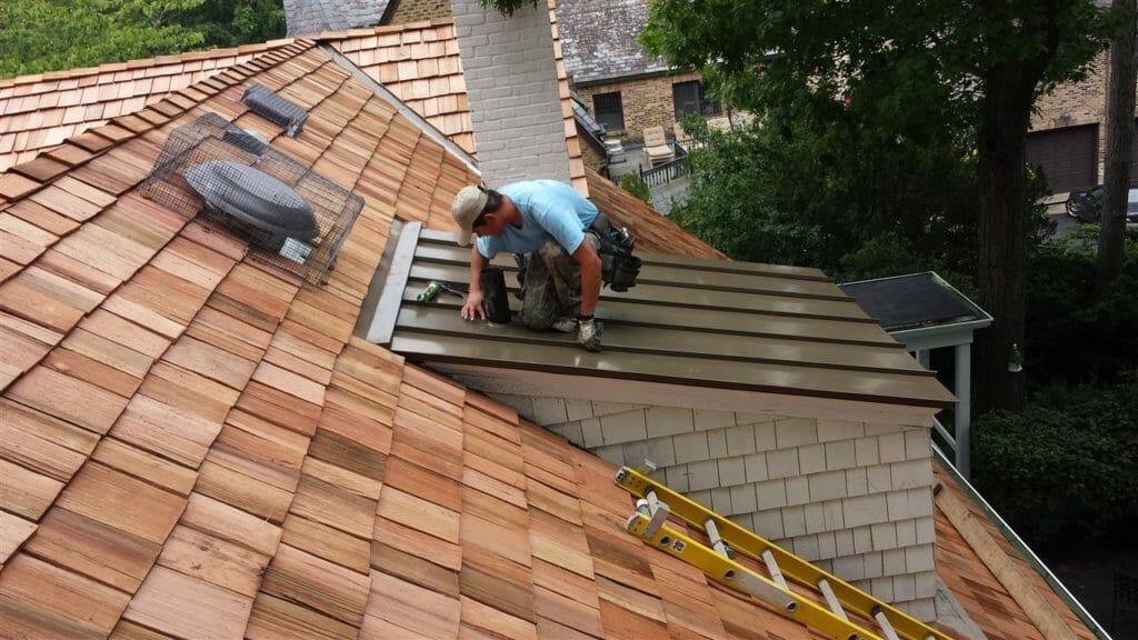 References, estimates, and sample contracts are all things a good contractor will provide